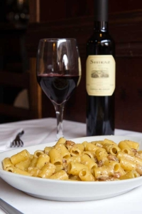 [cml_media_alt id='506']vino-e-carbonara[/cml_media_alt]